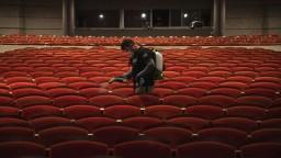 Ako s kinami, športom či divadlami? Prísne pravidlá zmiernili