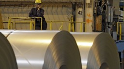 Pracovné miesta sú ohrozené, odborári chcú ochranu ocele