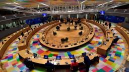Analytik R. Geist o záveroch mimoriadneho summitu EÚ