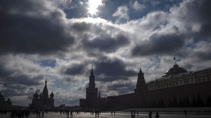 Z mojej smrti viňte Rusko. Novinárka sa upálila pred ministerstvom