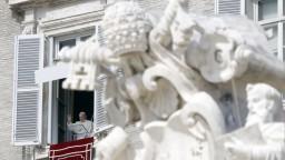 Pápež predstavil encykliku, zaoberá sa solidaritou medzi ľuďmi