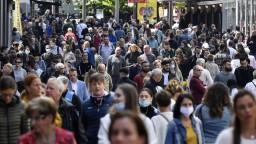 Odhadli, koľko percent planéty sa už nakazilo koronavírusom