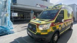 Vírus zasiahol aj záchranárov, chýbajú im však ochranné pomôcky