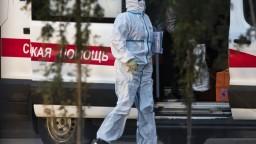 V Moskve sprísnili pravidlá, pribudlo najviac prípadov od mája