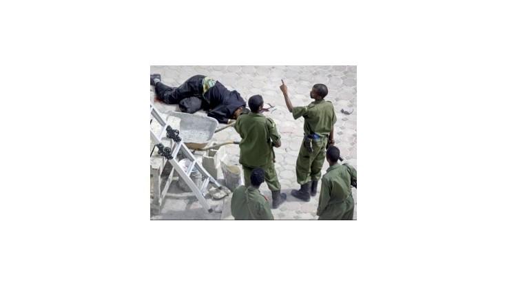 Nový somálsky prezident a keňský minister unikli bombovému útoku