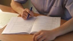 Žiakov idú doučovať študenti, ministerstvo podpísalo memorandum