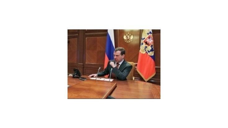 Pussy Riot si už vytrpeli dosť, tvrdí Medvedev