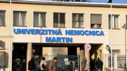 Martinská nemocnica lieči pacientov z Oravy, pomáhať začínajú medici