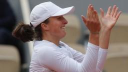 Spanilá jazda Swiatekovej pokračuje, Kvitová si finále nezahrá