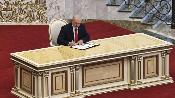 Cichanovskej pomohli a dali peniaze na môj pokyn, tvrdí Lukašenko