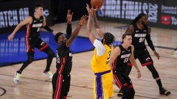 NBA: Miami zdolalo LA Lakers, na meno šampióna si ešte počkáme