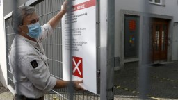 Hrozí celoplošné zatváranie? Nárast infikovaných v ČR je enormný