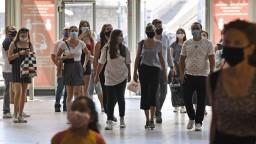 V Poľsku zvažujú núdzový stav, Rakúsko sa pripravuje na turistov