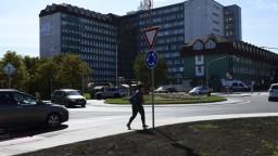 Zamorená nemocnica v Poprade: Vírus majú desiatky zamestnancov