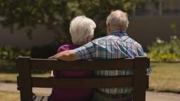 Dôchodok podľa toho, koľko sa dožívame? Pripravujú zmeny