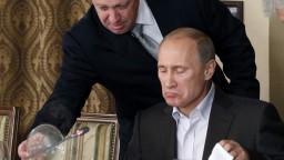 Putinov kuchár je na čiernom zozname. Zrejme vlastní aj armádu