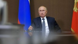 Rusi schválili druhú vakcínu. Putin: Musíme zvýšiť produkciu
