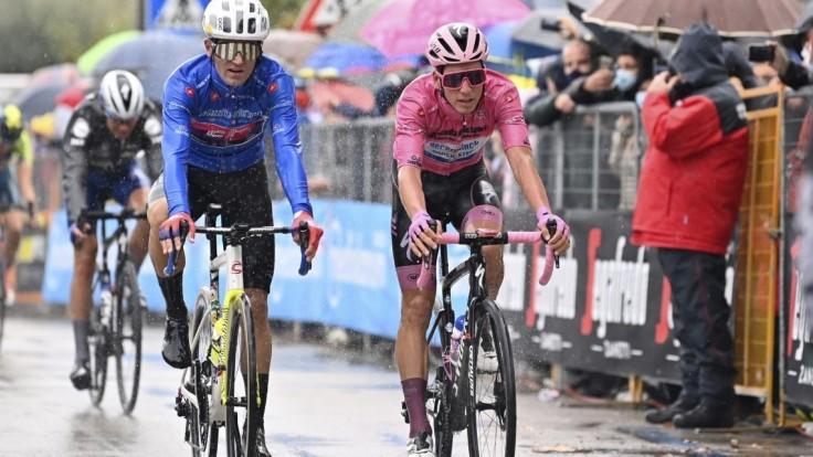 Cyklisti na Giro d