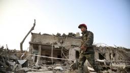 Prímerie trvalo len pár hodín, v Náhornom Karabachu sa strieľalo