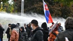 Začali trestné stíhanie za útok na verejného činiteľa počas protestu