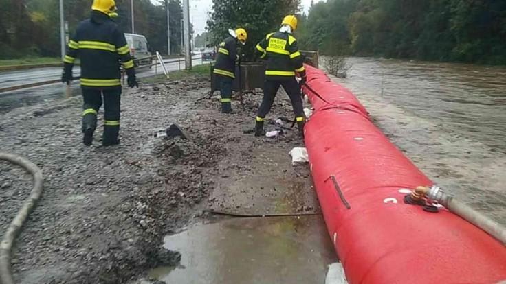 Na západe hrozia povodne, pre niektoré okresy vydali výstrahu
