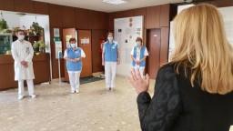 Prezidentka chce mať informácie z prvej ruky, navštívila nemocnicu