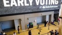 Predčasné hlasovanie pokračuje v ďalších štátoch, záujem je enormný