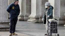 Írsko sa zatvára. Premiér hovorí o jednom z najprísnejších režimov