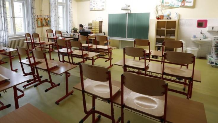 Situácia je výnimočná, učiteľov môžu preraďovať na iné miesta