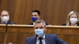 Hlas-SD chce odvolať Krajniaka, pácha vraj sociálny masaker