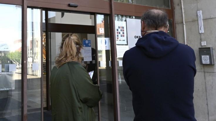 Vláda schválila výmenu prednostov na okresných úradoch
