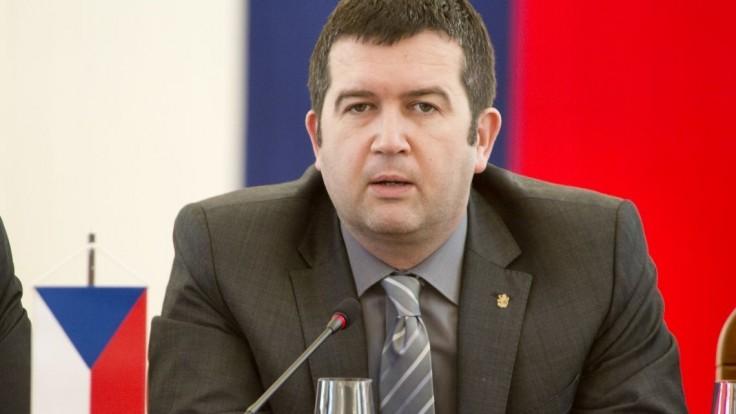 Koronavírusom sa nakazil aj český vicepremiér, potvrdil to test
