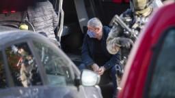 Špeciálneho prokurátora po zadržaní obvinili z viacerých činov