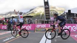 Na Giro sa darilo Hindleymu, tretia etapa Vuelty patrila Martinovi