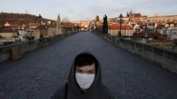 Česko hlási obrovské množstvo prípadov, je čiastočne uzavreté