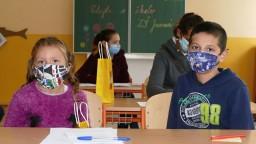 Už aj ZŠ budú mať domácu výučbu. Kto môže chodiť do školy?