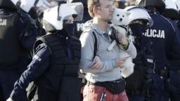 Poľský prezident má koronavírus, ľudia protestujú proti opatreniam