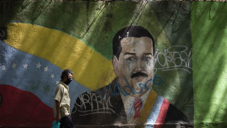 Vyvinuli všeliek? Zničí koronavírus, HPV aj ebolu, tvrdí Maduro