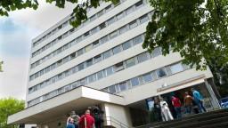 Nemocnica potrebuje pomoc, v izolácii sú desiatky zdravotníkov