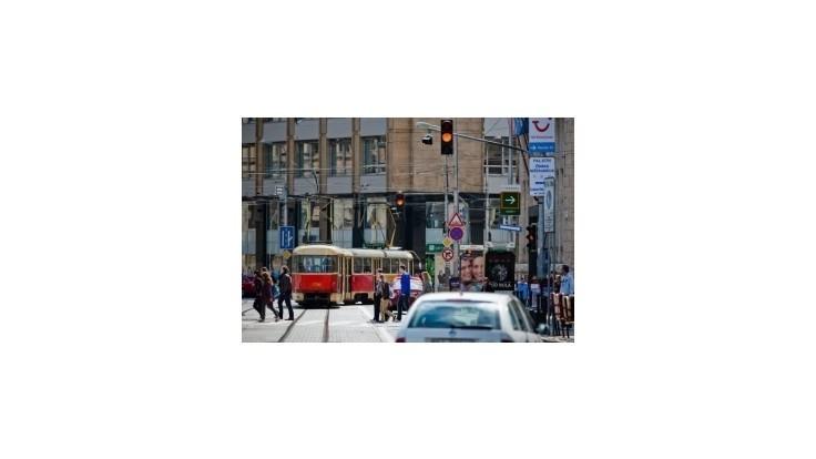 Od nedele sa v Bratislave vodičský preukaz stane električenkou