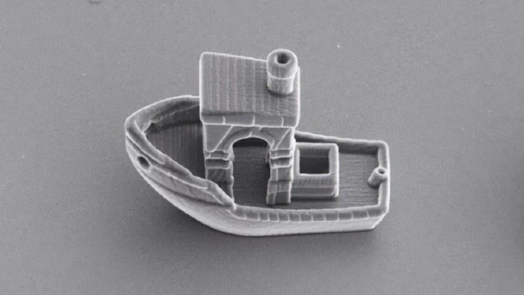 Najmenšia loď na svete je tenšia ako ľudský vlas