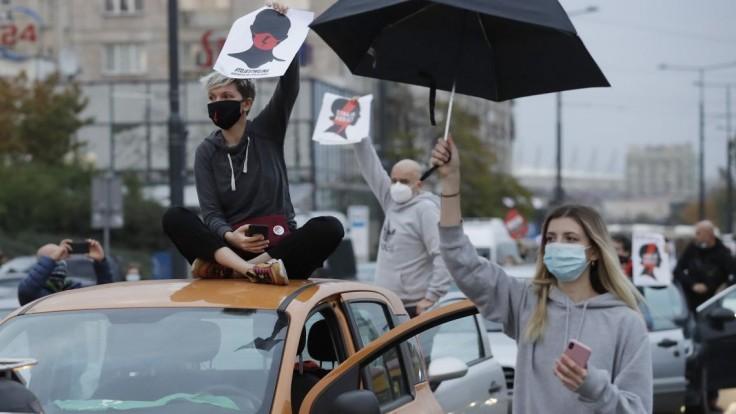 Protestovali už siedmy deň. Sprísnenie interrupcií vyvolalo štrajk