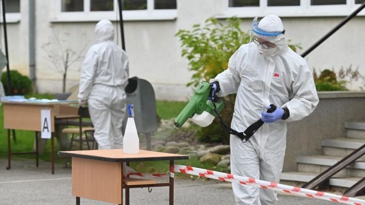 Máme už 200 obetí vírusu, nakazili sa ďalšie tisícky ľudí