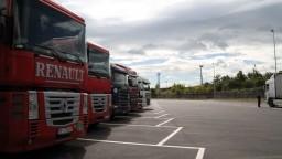 Zverejnili, či sa kamionisti a autobusári majú zúčastniť testovania