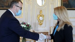 Predčasne trúbi na ústup, tvrdí o prezidentkinej výzve Krajniak