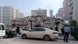 Stredomorie zasiahlo zemetrasenie. Hlásia obete i ranených