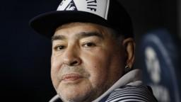 Vyčnieval nad všetkými. Legendárny Maradona oslávil 60 rokov