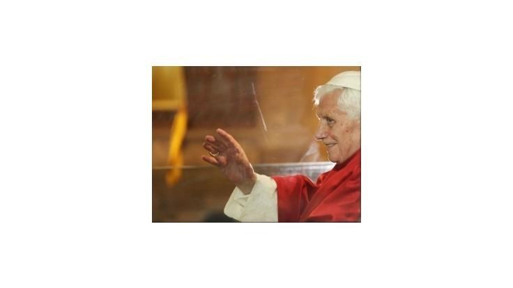 Pápež Benedikt XVI. na záver návštevy Libanonu odslúžil svätú omšu