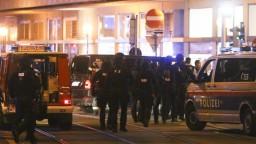Som v šoku, podnikli sme kroky. Ministri reagujú na útok vo Viedni