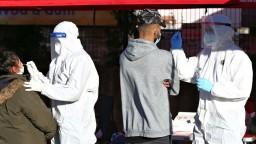 Máme rekordne veľa nových obetí vírusu a vyše dvetisíc nakazených